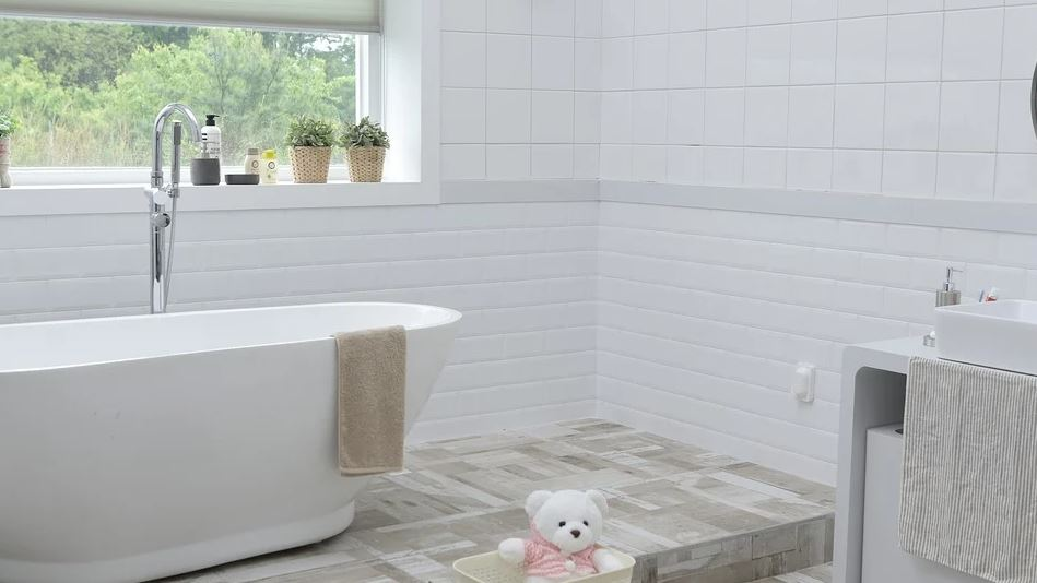 bílá koupelna